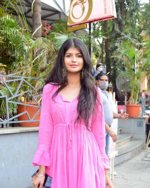 Anjini Dhawan - Photos: Celebs Spotted At Juhu | Picture 1778711