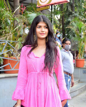 Anjini Dhawan - Photos: Celebs Spotted At Juhu | Picture 1778712