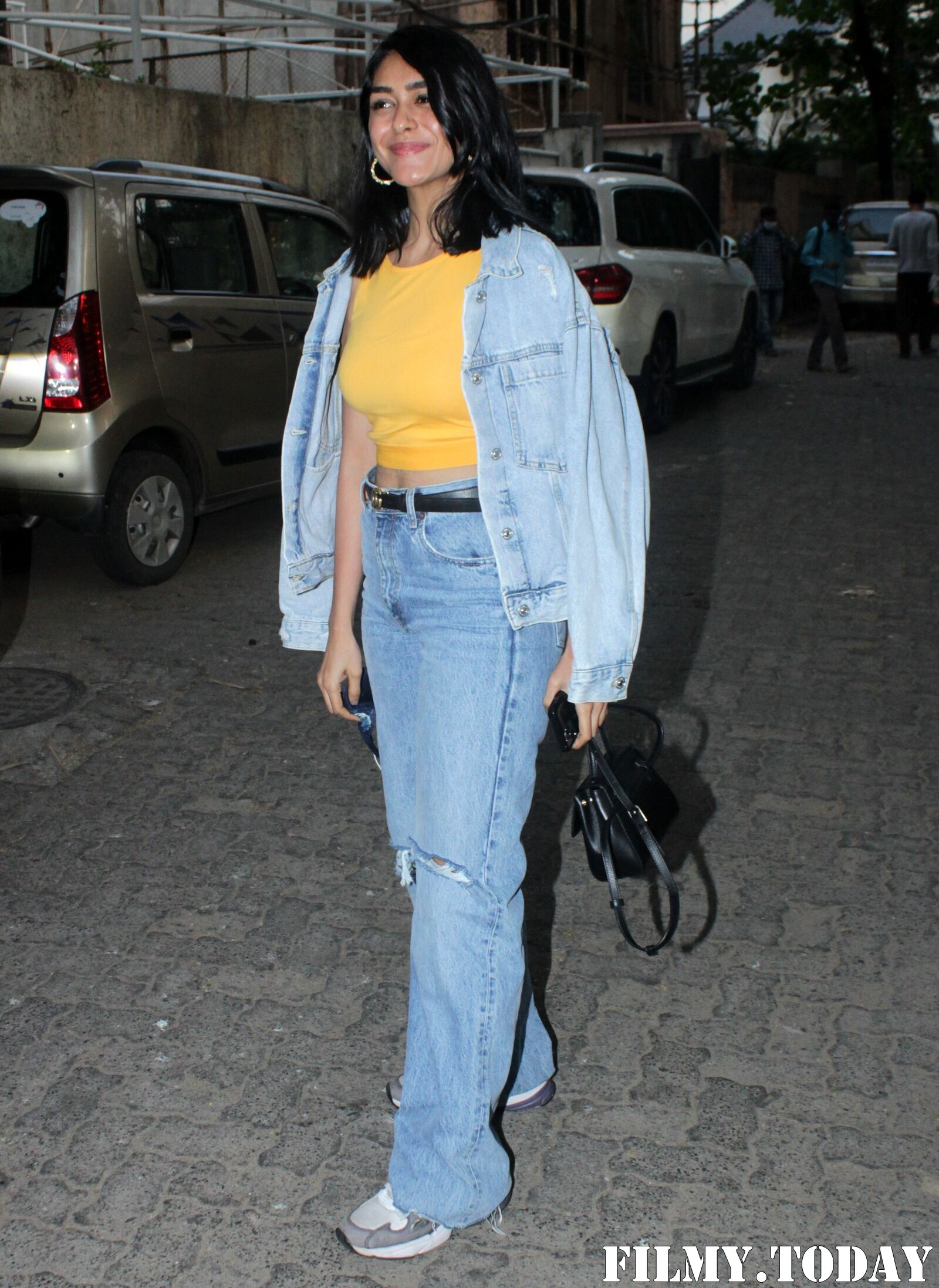 Mrunal Thakur - Photos: Celebs Spotted Sunny Sound In Juhu | Picture 1778745