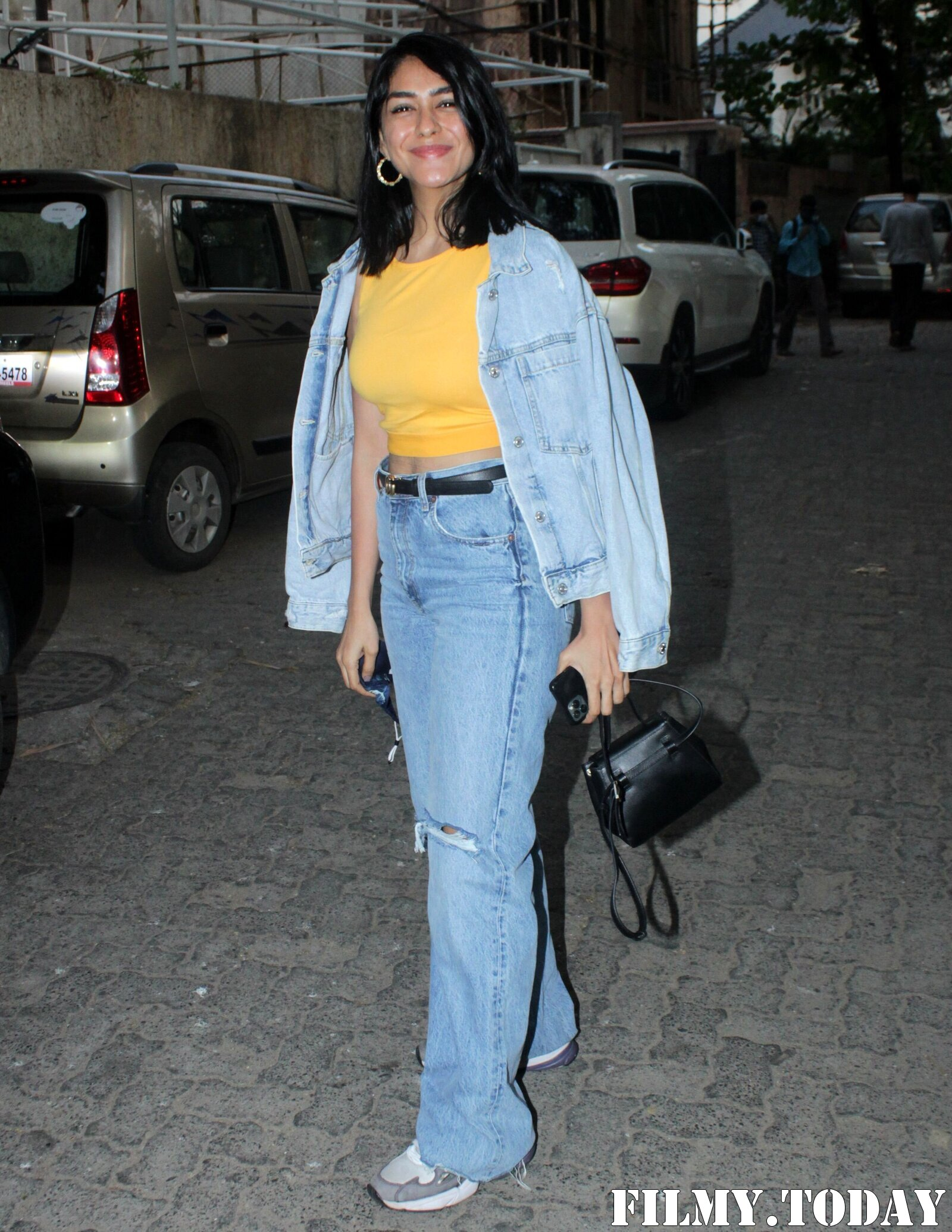 Mrunal Thakur - Photos: Celebs Spotted Sunny Sound In Juhu | Picture 1778744