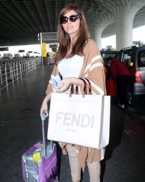 Elnaaz Norouzi - Photos: Celebs Spotted At Airport | Picture 1780231