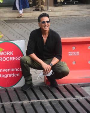 Akshay Kumar - Photos: Celebs Spotted At Kalina Airport | Picture 1780684