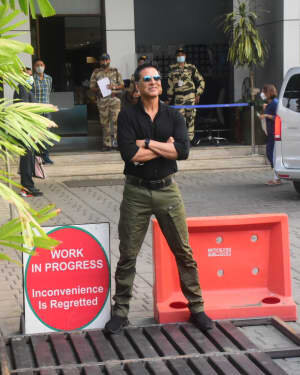 Akshay Kumar - Photos: Celebs Spotted At Kalina Airport | Picture 1780681