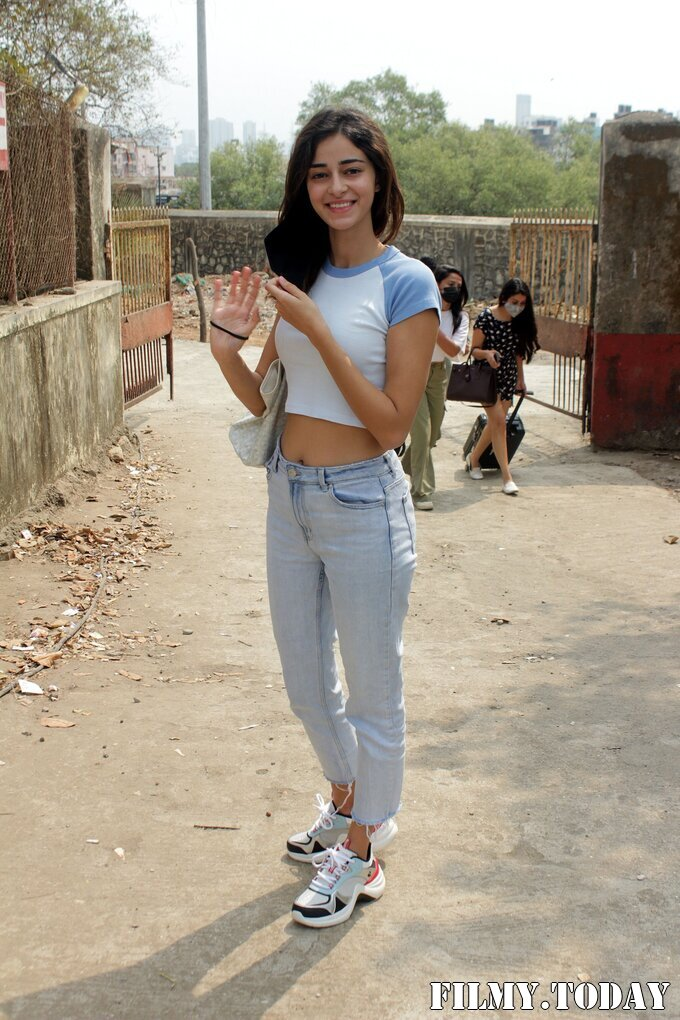 Ananya Panday - Photos: Celebs Spotted At Versova | Picture 1780690