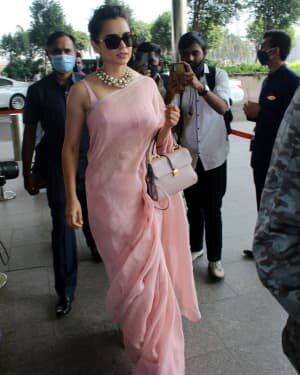 Kangana Ranaut - Photos: Celebs Spotted At Airport   Picture 1780887