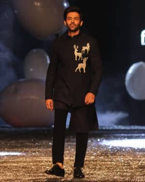 Kartik Aaryan - Photos: Lakme Fashion Week 2021 Day 2 | Picture 1781153