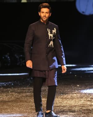 Kartik Aaryan - Photos: Lakme Fashion Week 2021 Day 2 | Picture 1781157