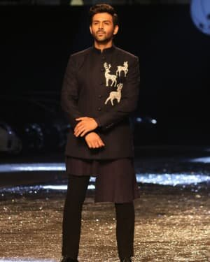 Kartik Aaryan - Photos: Lakme Fashion Week 2021 Day 2 | Picture 1781161