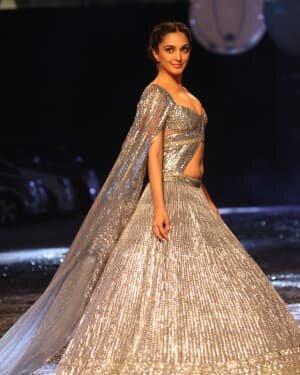 Kiara Advani - Photos: Lakme Fashion Week 2021 Day 2 | Picture 1781147
