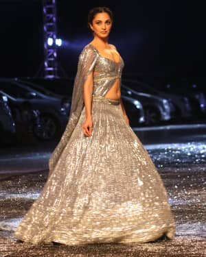 Kiara Advani - Photos: Lakme Fashion Week 2021 Day 2 | Picture 1781146