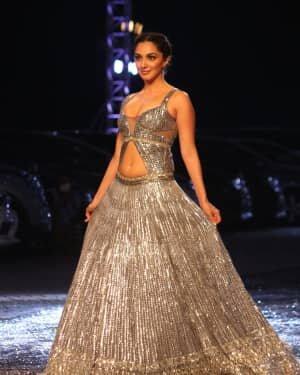 Kiara Advani - Photos: Lakme Fashion Week 2021 Day 2 | Picture 1781143