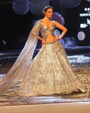 Kiara Advani - Photos: Lakme Fashion Week 2021 Day 2 | Picture 1781148