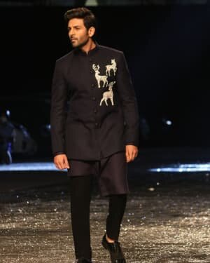 Kartik Aaryan - Photos: Lakme Fashion Week 2021 Day 2 | Picture 1781162
