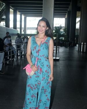 Rochelle Rao Sequeira - Photos: Celebs Spotted At Airport   Picture 1828271