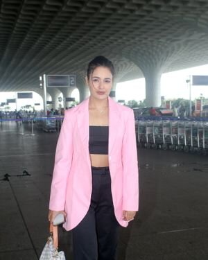 Yuvika Chaudhary - Photos: Celebs Spotted At Airport | Picture 1828247