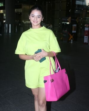 Helly Shah - Photos: Celebs Spotted At Airport | Picture 1828265