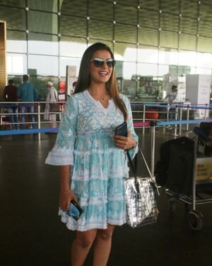 Akshara Singh - Photos: Celebs Spotted At Airport | Picture 1828259