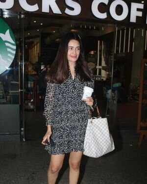 Yuvika Chaudhary - Photos: Celebs Spotted At Airport | Picture 1828274