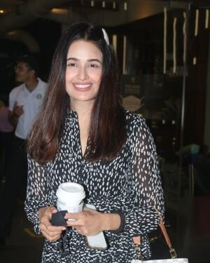 Yuvika Chaudhary - Photos: Celebs Spotted At Airport | Picture 1828279
