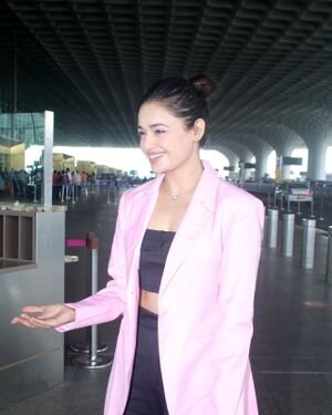 Yuvika Chaudhary - Photos: Celebs Spotted At Airport | Picture 1828249
