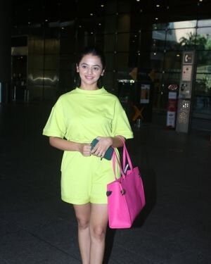 Helly Shah - Photos: Celebs Spotted At Airport | Picture 1828267