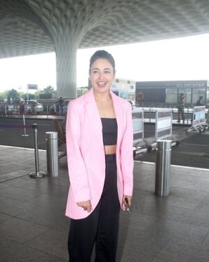Yuvika Chaudhary - Photos: Celebs Spotted At Airport | Picture 1828250