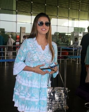 Akshara Singh - Photos: Celebs Spotted At Airport | Picture 1828256