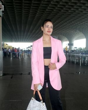 Yuvika Chaudhary - Photos: Celebs Spotted At Airport | Picture 1828246