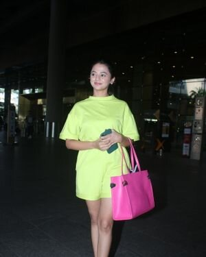 Helly Shah - Photos: Celebs Spotted At Airport | Picture 1828264