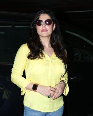 Zareen Khan - Photos: Celebs Spotted At Bandra