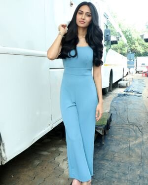 Photos: Erica Fernandes Spotted At Malad Marve Road For Shoot | Picture 1828345