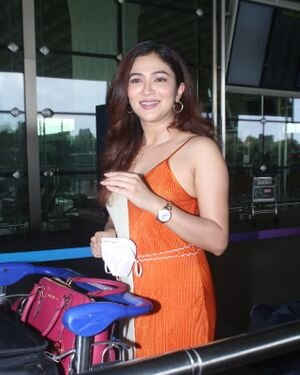 Ridhima Pandit - Photos: Celebs Spotted At Airport | Picture 1828449