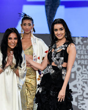 Photos:  Anamika Khanna Show At Lakme Fashion Week 2021
