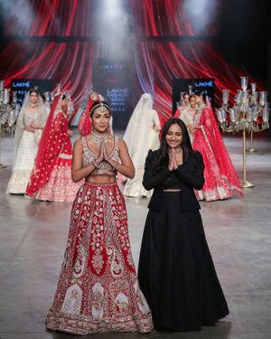 Photos: Annu's Creation Show At Lakme Fashion Week 2021
