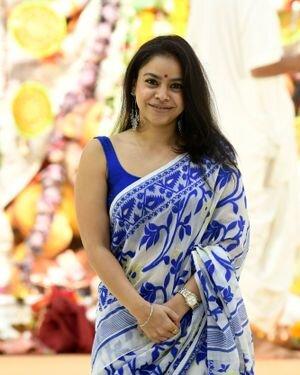 Sumona Chakravarti - Photos: Celebs At North Bombay Durga Pooja Samiti 2021 | Picture 1828541