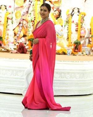 Kajol - Photos: Celebs At North Bombay Durga Pooja Samiti 2021 | Picture 1828543