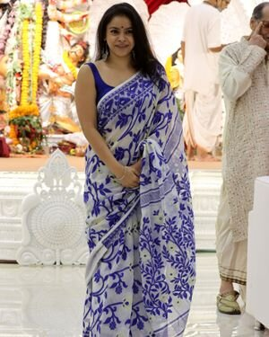 Sumona Chakravarti - Photos: Celebs At North Bombay Durga Pooja Samiti 2021 | Picture 1828535