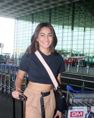 Sana Makbul - Photos: Celebs Spotted At Airport