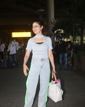 Yuvika Chaudhary - Photos: Celebs Spotted At Airport | Picture 1828669