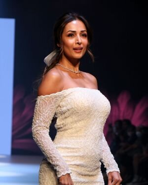 Malaika Arora - Photos: Daisy Show At Bombay Times Fashion Week 2021
