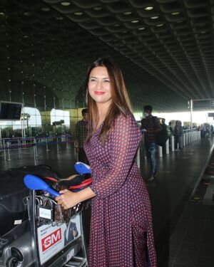Divyanka Tripathi - Photos: Celebs Spotted At Airport