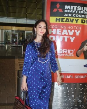 Sandeepa Dhar - Photos: Celebs Spotted At Airport
