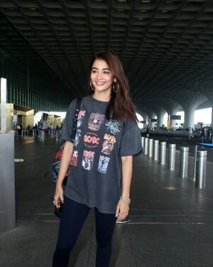Pooja Hegde - Photos: Celebs Spotted At Airport