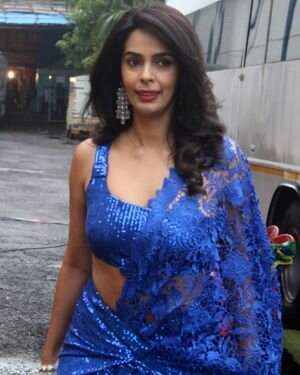 Mallika Sherawat - Photos: Zee Comedy Show's Set For A Photo-op With Special Guests | Picture 1826030