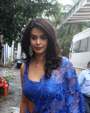 Mallika Sherawat - Photos: Zee Comedy Show's Set For A Photo-op With Special Guests | Picture 1826023