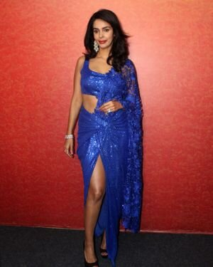 Mallika Sherawat - Photos: Zee Comedy Show's Set For A Photo-op With Special Guests | Picture 1826012