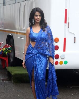 Mallika Sherawat - Photos: Zee Comedy Show's Set For A Photo-op With Special Guests | Picture 1826027