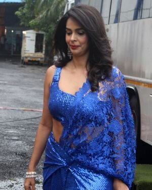 Mallika Sherawat - Photos: Zee Comedy Show's Set For A Photo-op With Special Guests | Picture 1826025