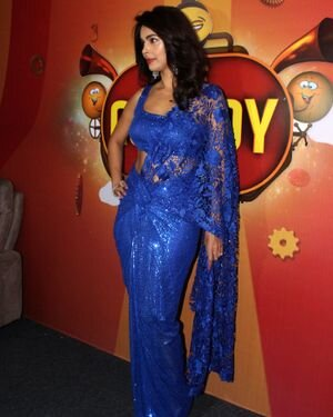 Mallika Sherawat - Photos: Zee Comedy Show's Set For A Photo-op With Special Guests | Picture 1826021