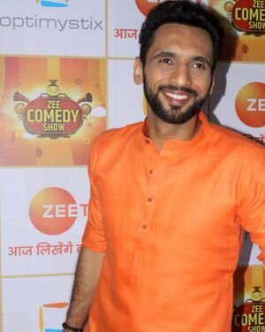 Photos: Zee Comedy Show's Set For A Photo-op With Special Guests
